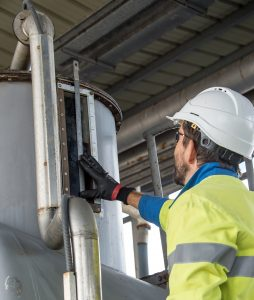 Our technicians can manage the maintenance of all loading stations, whether hydraulic, mechanical or even electric