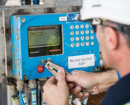 Nos techniciens sont habilités à apposer la conformité administrative (vignette verte), à plomber / sceller les compteurs