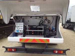 Possibilité de connecter les flexibles du camion citerne vérifié directement sur notre camion étalon